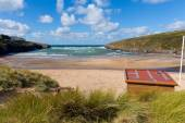 Porthcothan Bay Cornwall England UK Cornish north coast between Newquay and Padstow on a sunny blue sky day — Stock Photo
