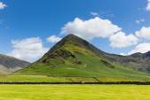 Lake District mountain Fleetwith Pike Buttermere Cumbria England uk on a beautiful sunny summer day — Stock Photo