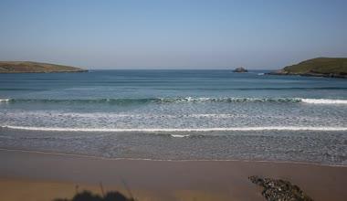 Waves on Crantock beach Cornwall England UK near Newquay — Stock Video