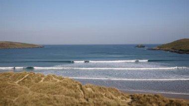 Spring morning surf Crantock beach North Cornwall England UK near Newquay — Stock Video
