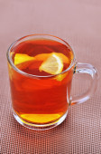 Cup of black tea with lemon — Stock Photo