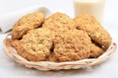 Domácí ovesné sušenky a koktejl — Stock fotografie