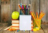 ノートブック、書籍や学校のツール. — Φωτογραφία Αρχείου