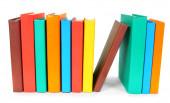 Πολύχρωμα βιβλία. σε άσπρο φόντο. — Φωτογραφία Αρχείου