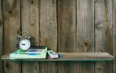 Alarm clock and school accessories. — Foto Stock