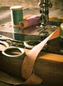 Sewing. Sewing machine and tools. — Foto de Stock