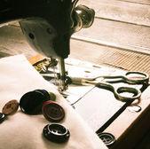 Šití. šicí stroje a nástroje. — Stock fotografie