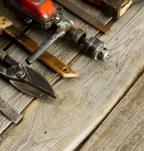 Various tools on a wooden background. — Fotografia Stock