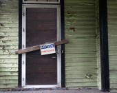 Foreclosed house — Stock Photo