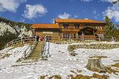 Curmatura hut, Piatra Craiului, Romania — Foto de Stock