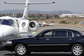 Leer jet e limousine — Foto Stock