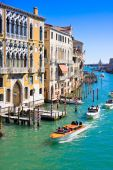 VENICE, ITALY - MARCH 28,2015: Canal Grande in Venice, Italy as seen from Ponte dell'Accademia — Foto Stock