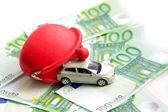 Leksaksbil och euro — Stockfoto