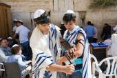 Bar Mitzvah ritual at the Wailing Wall — Stock Photo