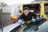 Serviceman from carglass — Stock Photo