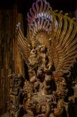 Nakhon Pathom, Thailand - May 1, 2015: Garuda statue of the Hindu. Woodland Museum In Nakhon Pathom, Thailand — Foto de Stock