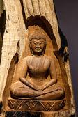 Будда резного дерева — Стоковое фото