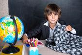 Smiling school boy with schoolbag — Stok fotoğraf