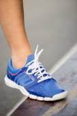 Runnning shoe on runner, close-up — Foto Stock
