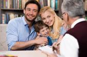 Concept for family consultation with psychologist — Stock Photo