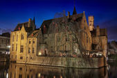 Canals and old buildings of Bruges — Stockfoto