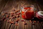Natural diy chilli sauce sriracha — Foto de Stock