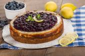 Baked blueberry lemon cheese cake — Zdjęcie stockowe
