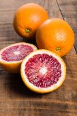 Blood oranges with cut showing interior — Foto Stock