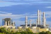 Petroleum plant with sky — Stock Photo