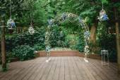 Arch decorated for a wedding — Stock Photo