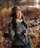 Female duck hunter — Stockfoto