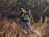 Female duck hunter — Stock Photo