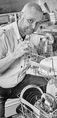 Man and dishwasher — Stok fotoğraf