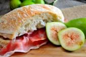 Figs bread and ham — Stock Photo