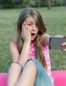 Selfie in the park — Stock Photo