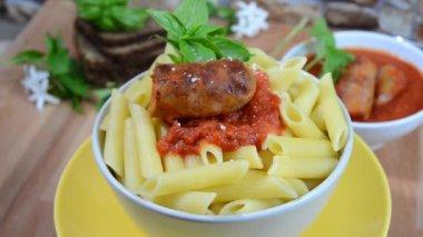 Tomato sauce and pasta — Stock Video
