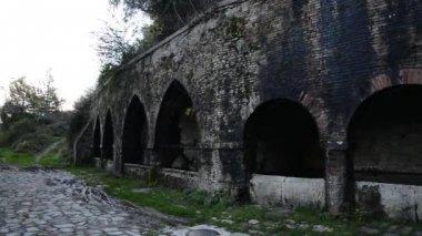 Fountain of San Gimignano - Italy — Stock Video
