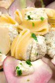 Pasta with artichoke cream — Stock Photo