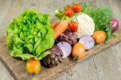 Vegetables on wood — Stock Photo