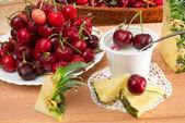 Yogurt with cherries — Stock Photo