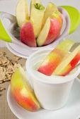 Yogurt with apples — Stock Photo