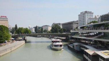 Boat on Danube river - Austria — Stock Video