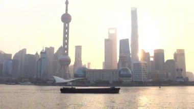 China, Shanghai, Pudong District, Huangpu River, Financial District Skyline including Shanghai World Financial Center, Oriental Pearl Tower and Shanghai Tower — Stock Video