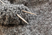 Ball of wool with knitting needles — Stock Photo