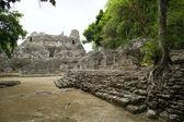Pre classic Mayan ruins — Stock Photo