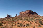 Wind eroded mesa and needles in Monument Valley  — Stockfoto