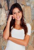 Pensive brunette girl — Stock Photo