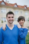 Young lovers excited about your new home — Stock Photo
