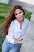 Fajna brunetka dama — Zdjęcie stockowe