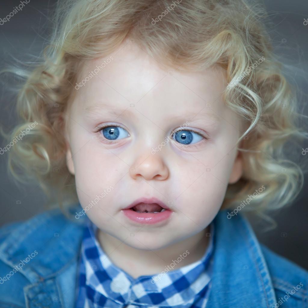 Foto bambini con gli occhi azzurri 42